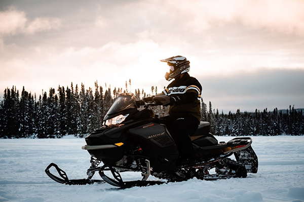 The legendary Ski-Doo Mach Z muscle sled returns for a limited run for MY22, featuring an innovative Smart-Shox system and an all-new 180-hp Rotax 900 ACE Turbo R. ©BRP 2021